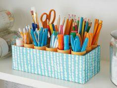 Organizer Kinderzimmer Bastelideen originell Perfekt für den Schreibtisch! Schafft nicht nur Ordnung im Kinderzimmer und man hat endlich eine sinnvolle Verwendung für toilettenpapierrollen