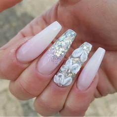 - - - - - #nails#nail#nägel#manicure#preto#branco#naglar#nailie#maniküre#nailpolish#smalto#unha#essie#unghie#nailtech#naildesign#longnails#paznokcie#nailaddict#nailinspo#nailporn#naels#notd#nechty#nehty#glitter#frenchnails#ногти #лак#маникюр