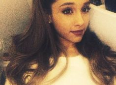 Ariana Grande wishes her fans a happy new year!