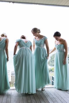 Aqua and lace. Custom. Photography: Joanna Wickham - jowickham.co.nz  Read More: http://www.stylemepretty.com/new-zealand-weddings/auckland/2014/01/13/waiheke-island-wedding-at-mudbrick-vineyard/