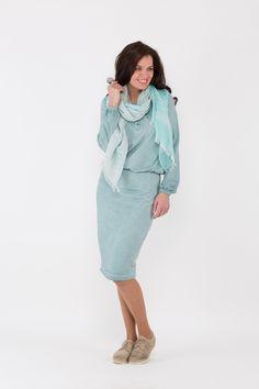 Opzoek naar een lekker zittende jurk? dan is deze jurk iets voor je!  Hij is gemaakt 92% katoen en 8% elasthan