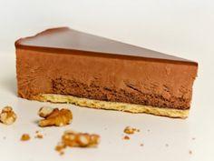 Chocolade truffeltaart Chocolat junkies opgelet! Deze taart is een klassieker die het altijd goed in de smaak valt (letterlijk!).