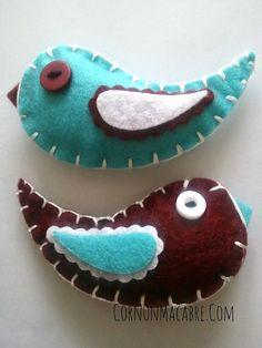 Catnip Toy Felt Cat Toy Cranberry & Turquoise by CornOnMacabre, $12.00 Easy Sewing Projects, Fun Projects, Diy Cat Toys, Kitten Toys, Catnip Toys, Cat Scratcher, Cat Fleas, Felt Birds, Felt Cat