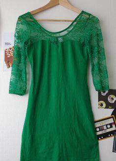 À vendre sur #vintedfrance ! http://www.vinted.fr/mode-femmes/robes-mini/18916446-mini-robe-verte-en-dentelle