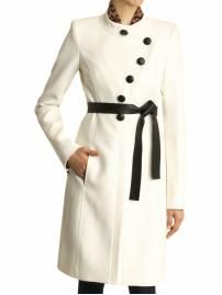 I've always wanted a white coat...I definitely don't think I could pull this off (and it wouldn't stay pristine for long!).