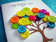 Lindas sugestões de árvores feitas com botões. Excelente inspiração para decorar sua casa e/ou trabalhar colagem com seus alunos, desenvolvendo assim a coordenação motora.