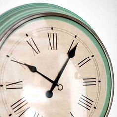 horloge murale skovel vert émeraude en acier inoxydable et verre