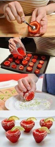 Strawberries stuffed lemon gelatin Fresas rellenas de gelatina de limón Subido de Pinterest. http://www.isladelecturas.es/index.php/noticias/libros/835-las-aventuras-de-indiana-juana-de-jaime-fuster A la venta en AMAZON. Feliz lectura.