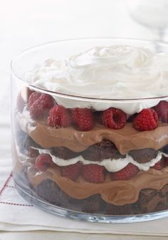 Serve up our delicious Chocolate-Raspberry Trifle recipe. This Chocolate-Raspberry Trifle is the perfect combination of dessert flavors and textures. Trifle Desserts, Easy Desserts, Delicious Desserts, Dessert Recipes, Yummy Food, Mousse Dessert, Delicious Chocolate, Yummy Yummy, Appetizer Recipes