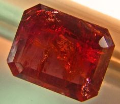 RED BERYL -UTAH RUBYRED COLLECTOR-GEM 2.39 CTS  BER-1(M)