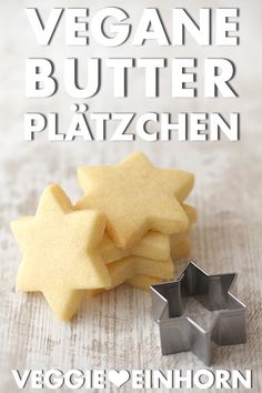 Preparing vegan Christmas cookies to cut ▶ Simple biscuits made from short pastry without egg - Vegan backen Cookie Recipes Without Eggs, Easy Cookie Recipes, Dessert Recipes, Vegan Christmas Cookies, Christmas Desserts, Christmas Recipes, Cookies Vegan, Vegan Sweets, Vegan Desserts