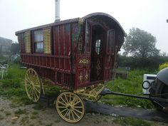 Gypsy Caravan, Gypsy Wagon, Horse Drawn Wagon, Old Wagons, Man Set, Gypsy Soul, Caravans, Wild Hearts, Live Life