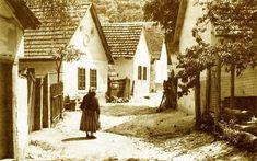TÖRTÉNELMI KALEIDOSZKÓP...: ESZTERGOM VÁRMEGYE NÉPE - 1900 körül... Budapest, Old Pictures, Old Photos, Dance Wallpaper, Old Photography, Austro Hungarian, Eastern Europe, Homeland, Historical Photos