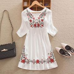 Cheap floral peasant blouse, Buy Quality peasant blouse directly from China blouse vintage Suppliers: Women Mexican Embroidered Floral Peasant Blouse Vintage Ethnic Tunic Boho Hippie Clothes dressy tops White Hippie Dress, Hippie Dresses, Hippie Outfits, Boho Dress, White Dress, Dress Casual, Boho Hippie, Estilo Hippie, Hippie Tops
