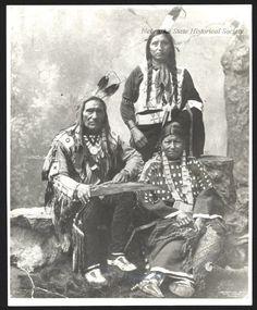 lakota-regalia-young-girls