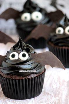 Easy Bat Cupcakes 2