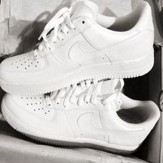 Nike Air Force 1 Mid Hot Lava. With a neutral theme for