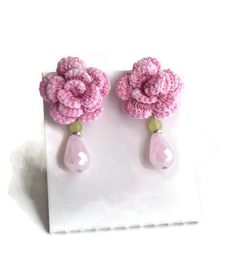 Items similar to Crochet Rose Stud Earrings, Pink Rose Cottage Chic Earrings, Hypoallergenic Bridal Earrings, Handdyed Fiber Jewelry, Gift For Her on Etsy Diy Crafts For Gifts, Handmade Crafts, Bead Crafts, Jewelry Crafts, Diy Earrings, Stud Earrings, Crochet Earrings Pattern, Crochet Decoration, Mixed Media Jewelry
