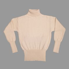 The Original Submariner sweater was War Office issue to the Royal Navy in both WW1 and WW2, and was used by the North Atlantic convoys to keep out the bitter chill.RAF pilots used them under an Irvin flight jacket.Post 1945, motorcyclists adopted submariner sweaters for insulation beneath leather and waxed cotton outer jackets.This North Sea Clothing original Submariner has the same drop shoulder and the same neck reinforcement as the Original Royal Navy Issue sweaters....