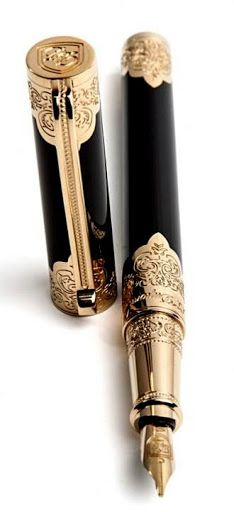 Dupont - This version of the Second Empire pen is meant to be more ergonomic and a day-to-day pen. The body is in black placed lacquer with engraved pale gold finishes. The clip is inspired by Second Empire furniture. Stylo Art, Objets Antiques, Graf Von Faber Castell, Bijoux Art Deco, Luxury Pens, Fine Pens, Best Pens, Second Empire, Writing Pens