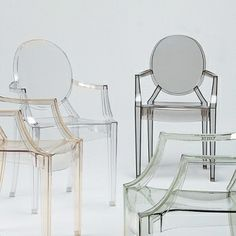 Kartell's Louis Ghost chair, designed by Philippe Starck in is an iconic interpretation of the neoclassical style armchair. Louis Ghost chair has an airy and lightweight appearance yet stable and durable structure that is extremely comfortable to sit on. Philip Stark, Ghost Chairs, Scandinavian Living, Nordic Design, Modern Materials, Branding Design, Armchair, Furniture Design, House Design