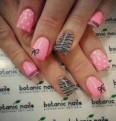 Do you know how to make perfect Bow nail art designs? Here are step by step easy Bow nail art 2017 tutorials. Learn how to make a perfect bow nail design. Get Nails, Pink Nails, How To Do Nails, White Nails, Glitter Nails, Zebra Nails, Fabulous Nails, Gorgeous Nails, Pretty Nails