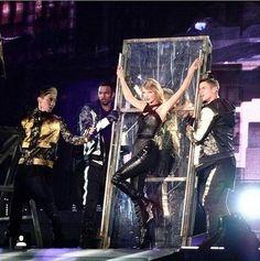 Taylor Swift 1989 Tour Style | POPSUGAR Fashion