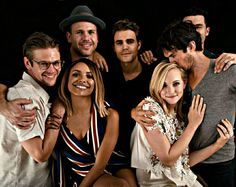 Awwww Ian looks like he's Candice's older brother in this....!they really are a family...