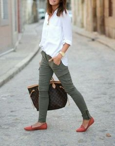 Take a look at 9 stylish business casual outfits with flats to wear this summer in the photos below and get ideas for your own amazing work outfits! Everyone needs a white blouse like this one. It's an essential, and… Continue Reading → Summer Work Outfits, Casual Work Outfits, Business Casual Outfits, Mode Outfits, Business Attire, Work Attire, Work Casual, Office Outfits, Dress Casual