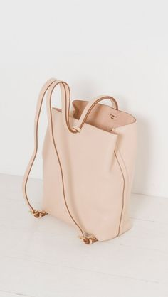 Lotuff The Sling Backpack in Natural The Dreslyn Leather Bags Handmade, Handmade Bags, Leather Craft, Diy Fashion, Fashion Bags, Ideias Fashion, Backpack Bags, Leather Backpack, Crea Cuir