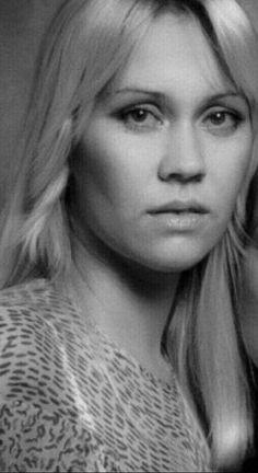 Resultado de imagen para agnetha faltskog look alike The Most Beautiful Girl, Beautiful Women, Blonde Singer, Frida Abba, Pat Benatar, Anna, Popular Music, Look Alike, Female Singers