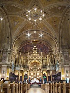 7 Breathtaking Montreal Churches to Explore Montreal Quebec, American Revolution, Names Of Jesus, Historical Photos, Art And Architecture, Barcelona Cathedral, Saints, Places To Visit, Around The Worlds