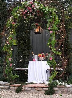 Dinner for 2 al fresco! Backyard Lighting, Outdoor Lighting, Fresco, Romantic Places, Romantic Dinners, Most Beautiful Gardens, Garden Trellis, Garden Arbor, Outdoor Retreat