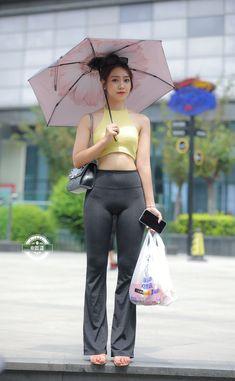 Pretty Asian, Beautiful Asian Women, Female Pictures, Great Legs, Skinny Girls, Sexy Jeans, Girls Jeans, Asian Woman, Asian Beauty