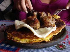 Cachapa con cochino Frito y Queso de Mano..