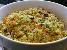 the parsley thief: Curried Couscous Never had a curried cous cous, worth a try. Salad Recipes, New Recipes, Cooking Recipes, Favorite Recipes, Healthy Recipes, Healthy Snacks, Recipies, Curried Couscous, Couscous Salad