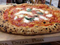Big Pizza, Pizza Pizza, Burrata Pizza, Pizza Life, Yams, Pizza Recipes, Deli, Vegetable Pizza, Oven