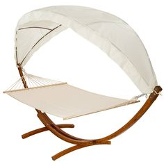 Luxusní houpací síť pro dvě osoby se stojanem a střechou pro relaxaci a odpočinek pod širým nebem. Sám, nebo i ve dvou, můžete trávit příjemné chvíle na slunci, či ve stínu praktické stříšky. Výškově nastavitelné lehátko poskytuje optimální komfort. Robustní konstrukce rámu z piniového masivu zajišťuje vysokou stabilitu. Použité kvalitní materiály zaručují dlouhou životnost ve všech detailech.