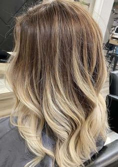 Awesome Rooty Balayage Hair Color Shades to Try in 2021 Perfect Hair Color, Hair Color For Women, Cool Hair Color, Hair Color Highlights, Hair Color Balayage, Blonde Balayage, Hair Color Shades, Popular Hair, Hair Designs