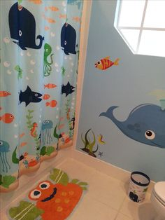 Ribbon shower curtain glitter wall paint in little girls for Under the sea bathroom ideas