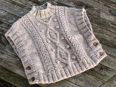 I think I could figure out how to make something like this.  Would be good for a little girl for fall.