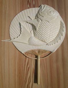 かわいい 魚の紙うちわだ!