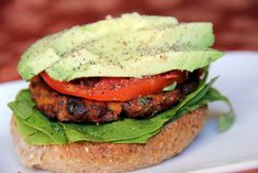 This sweet potato burger is vegan, easy and done in less than 30 minutes. Plant Based Burgers, Veggie Burgers, Healthy Meats, Healthy Eating, Burger Recipes, Vegan Recipes, Vegan Sweet Potato Burger, Recipes With Few Ingredients, Meatless Monday