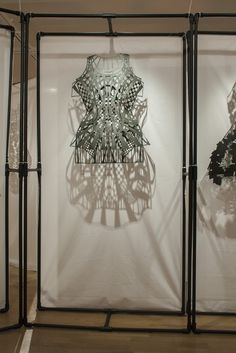 Designer Spends 982 Hours 3D Printing Clothing on a MakerBot 3D Printer http://3dprint.com/24272/3d-printed-fashion-korea/