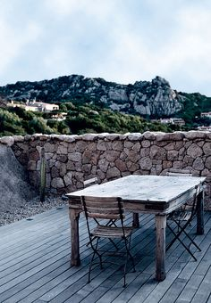Rustic mood in a home in Sardinia, Italy   79 Ideas