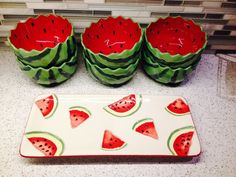 Found these bowls and small rectangular platter at Kohl's! Found these bowls and small rectangular platter at Kohl's! Cool Kitchen Gadgets, Home Gadgets, Cool Kitchens, Pottery Painting Designs, Pottery Designs, Ceramic Painting, Ceramic Art, Watermelon Decor, Deco Cool