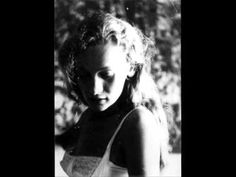 Eliane Radigue - Geelriandre - YouTube