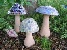 Mosaic Concrete Garden Mushroom DIY Project