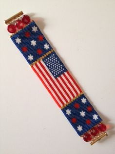Peyote pattern bracelet cuff beading miyuki delica size 11 for Patriotic beaded jewelry patterns