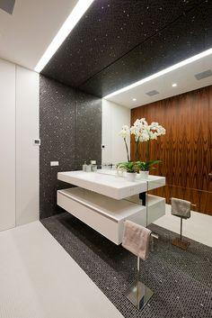 Luxus Badezimmer Einrichten   5 Inspirierende Luxusbäder | Stylish  Bathrooms | Pinterest | Architecture Design And Future